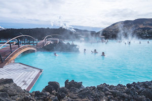 visitors-bathing-in-icelands-blue-lagoon