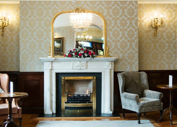 3 star classic hotel with fireplace