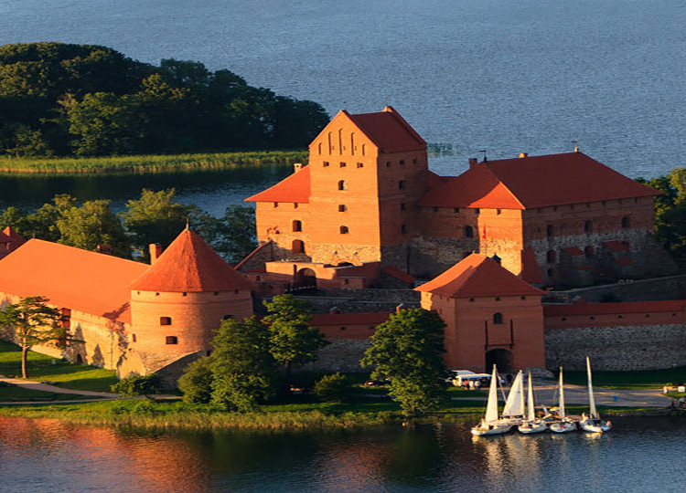 lithuania-group-tours