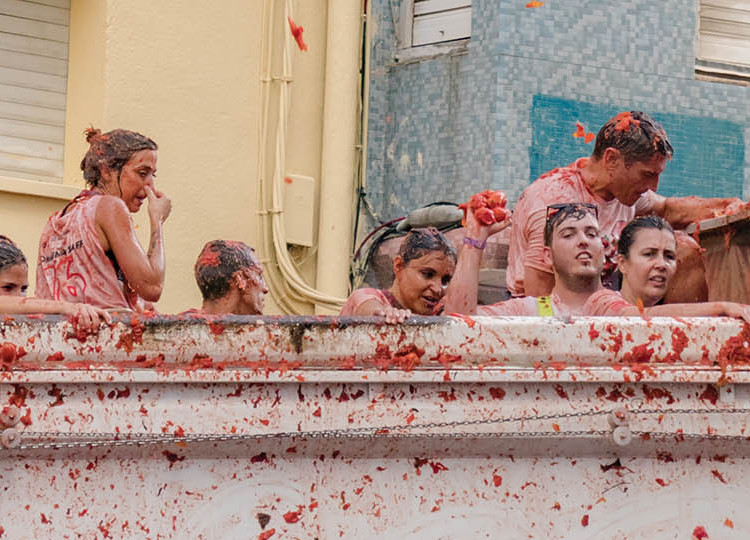 La Tomatina (Hotel) | Topdeck Travel